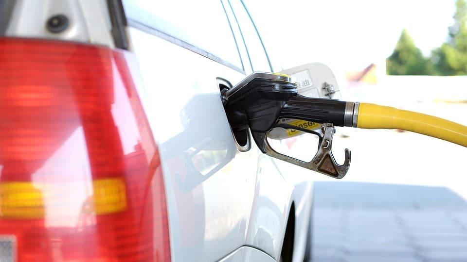 Est-il vraiment possible de mettre de l'essence dans le diesel?